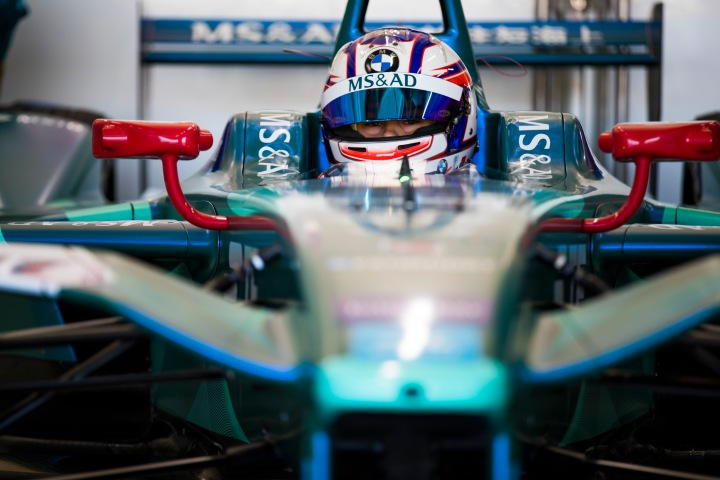 "Blomqvist adapts to ""lack of sound"" in Formula E pre-season test"